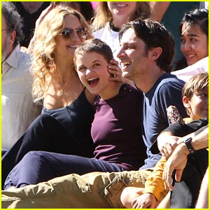 Joey King Wraps 'Wish I Was Here' with Kate Hudson!