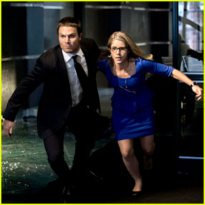 Stephen Amell: 'Arrow' Season 3 Premiere Pics!