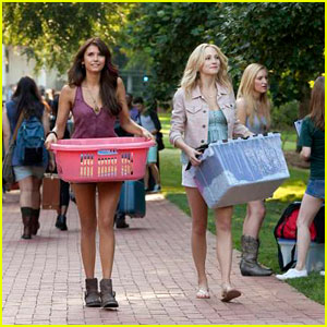 Nina Dobrev & Candice Accola: 'The Vampire Diaries' Season 5 Premiere Pics!