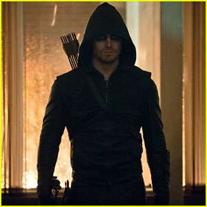 'Arrow' Scoop: 5 Teasers From the Season Two Premiere!