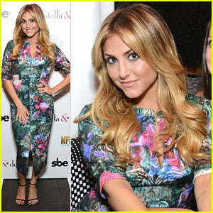 Cassie Scerbo: Stella & Dot Trunk Show for Breast Cancer Awareness