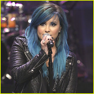 Demi Lovato: Blue Hair for Leno!