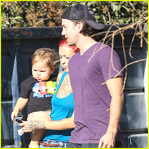 Jackson Rathbone: Home Clean Up with Sheila & Baby Roe