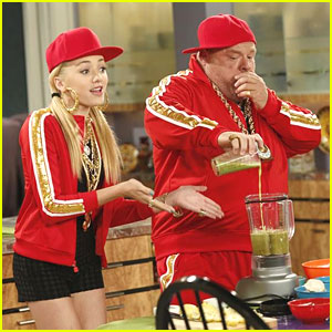 Peyton List Raps with Kevin Chamberlin on 'Jessie'