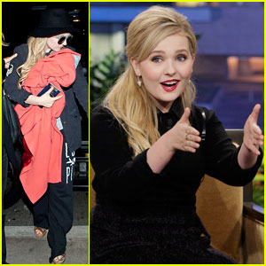Abigail Breslin Blogs About Boys, Cats, & Christmas
