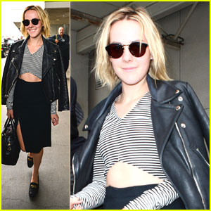 Jena Malone Turns 29; Releases New Shoe Track!