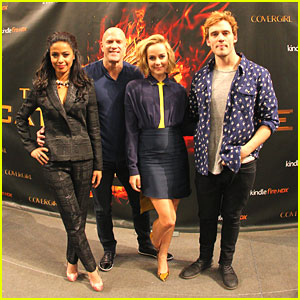 Jena Malone & Sam Claflin: Catching Fire Victory Tour Stop in Minnesota!