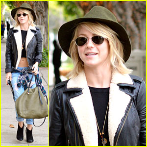 Julianne Hough: Late Lunch After 'Curve' Filming