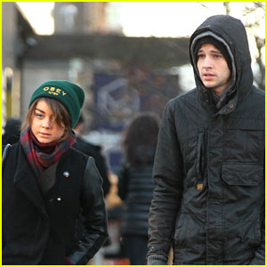 Sarah Hyland & Matt Prokop: Chilly NYC Stroll