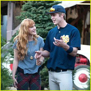 Bella Thorne & Tristan Klier Shop For A Christmas Tree!