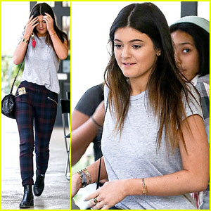 Kylie Jenner: Blue Table Lunch with Guy Pal