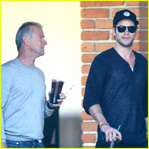 Liam Hemsworth: Coffee Run with Dad Craig