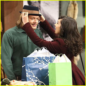 Molly Ephraim & Christoph Sanders: Hat-ty Holidays on 'Last Man Standing'