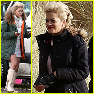 Rita Ora: Pre-Christmas Photo Shoot!