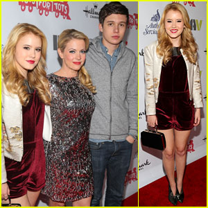 Taylor Spreiter & Nick Robinson: Hollywood Christmas Parade 2013