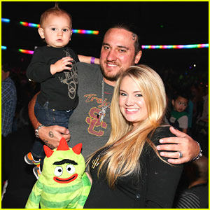 Tiffany Thornton & Chris Carney Take KJ to Yo Gabba Gabba Live!