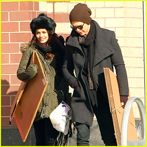 Vanessa Hudgens & Austin Butler: UPS Pick Up Pair