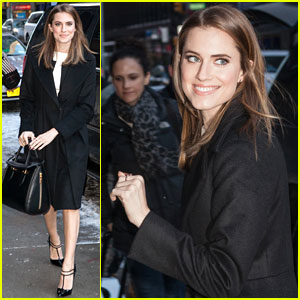 Allison Williams Stops By 'Letterman'