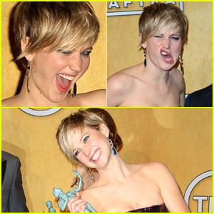 Jennifer Lawrence: Funny Faces after SAG Award Win!