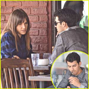 Joe Jonas & Blanda Eggenschwiler: Kings Road Cafe Couple