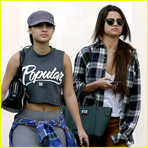 Selena Gomez: Friday Shopping Fun with Francia Raisa!