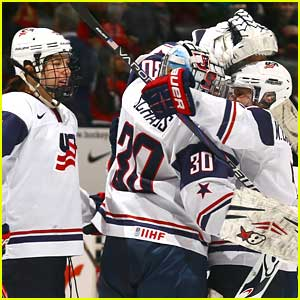 2014 Sochi Winter Olympics: Meet The Women's Hockey Team!