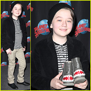Benjamin Stockham: Planet Hollywood Visit to Promote 'About a Boy'!