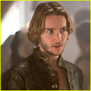 Toby Regbo: Francis & Lola Grow Closer on 'Reign'