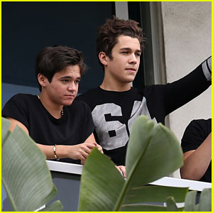 Austin Mahone Visits Sick Fans at the Joe DiMaggio Children's Hospital!