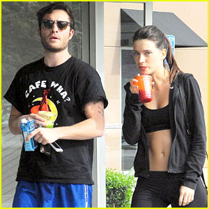 Ed Westwick Hits the Gym with Hot Brunette!