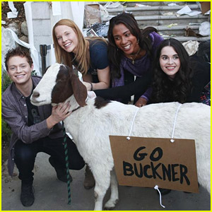 Vanessa Marano & Katie Leclerc Steal A Goat on 'Switched at Birth'!