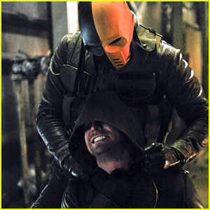 Oliver & Slade Face Off on Tonight's 'Arrow'