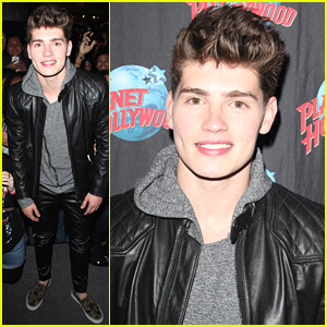 Gregg Sulkin Promotes 'Faking It' at Planet Hollywood