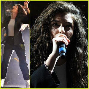Lorde Dances in the Dark at Coachella 2014!