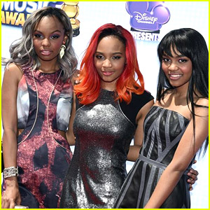 McClain Joins Booboo Stewart, Celeste Buckingham, Ashley Argota & More at RDMAs 2014