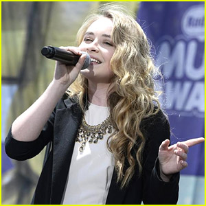 Sabrina Carpenter: RDMAs Pre-Show Performance Pics & Videos!