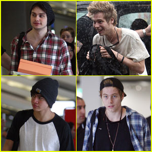 5 Seconds of Summer Show Fans Their Tour Bus in First AwesomenessTV Takeover Episode!