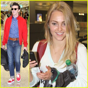 AnnaSophia Robb & Drake Bell: Airport Arrivals Ahead of White House Correspondents Dinner