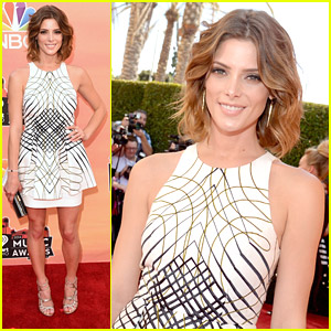 Ashley Greene Heats Up iHeart Radio Music Awards 2014