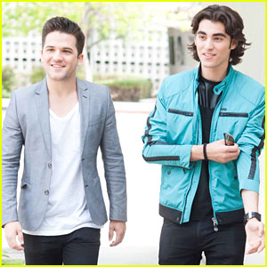 Blake Michael Starts the Week Off with a Studio Session!