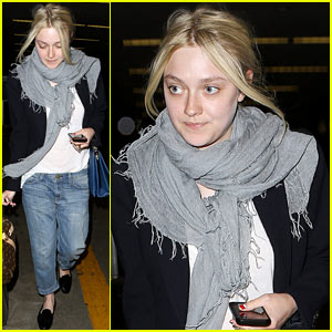 Dakota Fanning & Her Sister Elle Are Actually Kate Middleton's Cousins!