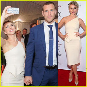 Julianne Hough & Brooks Laich are a Open Hearts Gala Couple