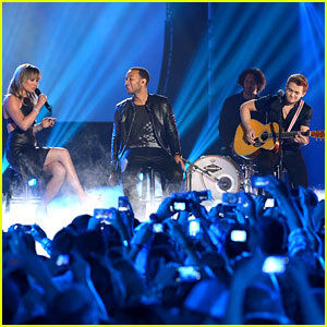 Hunter Hayes Rocks the CMT Awards Stage with Jennifer Nettles & John Legend! (Video)