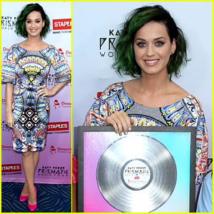 Katy Perry Helps Donate $1 Million to Teachers!