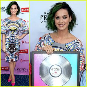 Katy Perry Helps Donate $1 Million to Teachers!