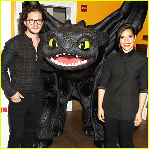 Toothless Joins America Ferrera & Kit Harrington For New York 'How To Train Your Dragon 2' Screening