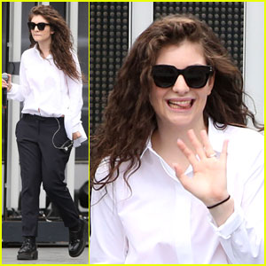 Lorde Can't Be Grumpy in Toronto Because Everyone is Nice There!