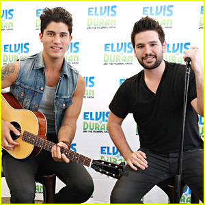 Dan & Shay Are Using Blake Shelton's Old Tour Bus For Tour With Him!