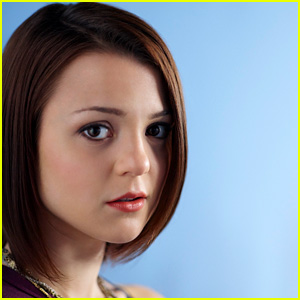 Kathryn Prescott Previews Tonight's Premiere of 'Finding Carter' (JJJ Interview!)