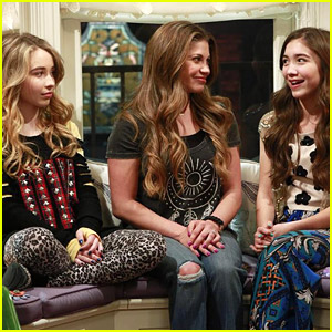 Maya Entertains School Hallway With a Dance in New 'Girl Meets World' Clip - Watch Here!